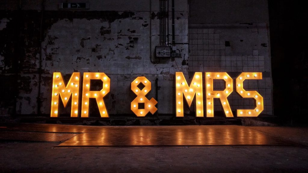 mr & mrs licht letters
