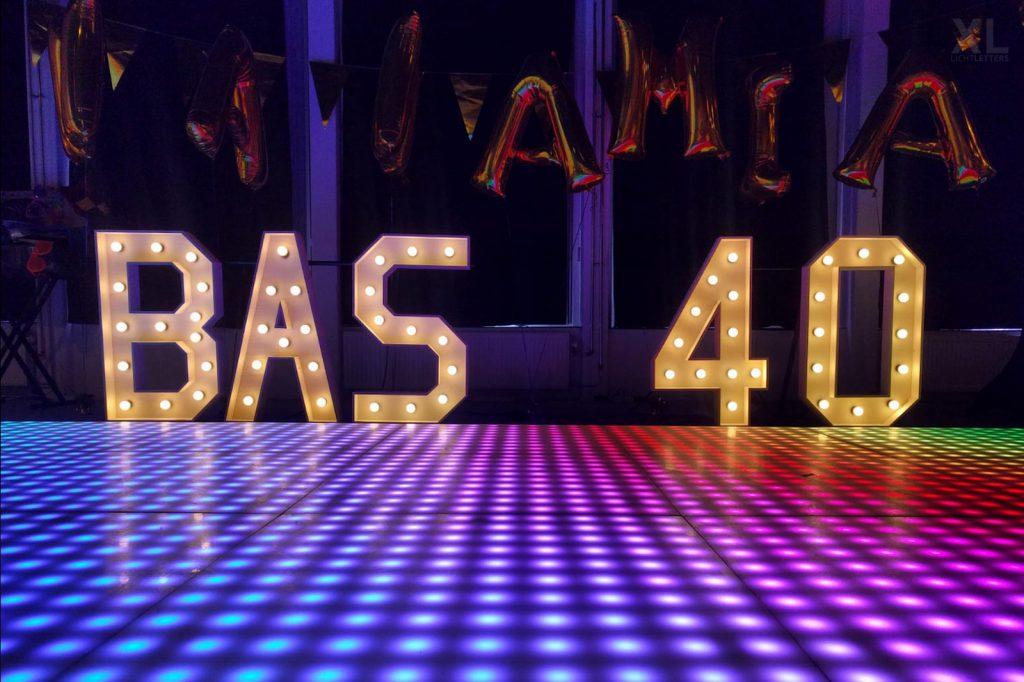 Lichtletters 40 huren